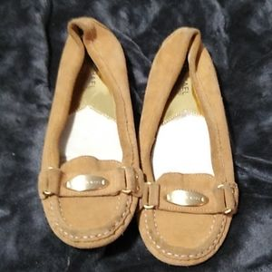 Michael Kors Tan Flats w/Gold Buckle Size 6.5